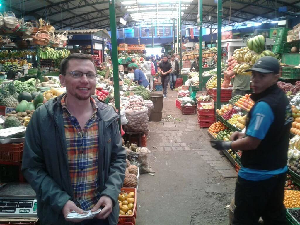 Spanish Student at paloquemao market